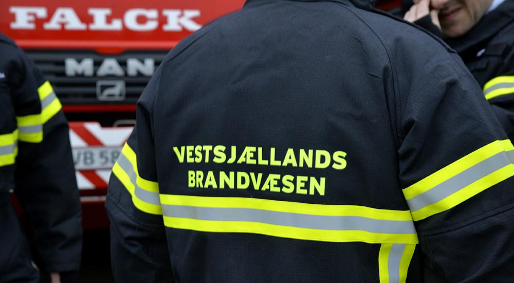 Nyt ´rygmærke´ på branddragterne . Foto: Jens Nielsen