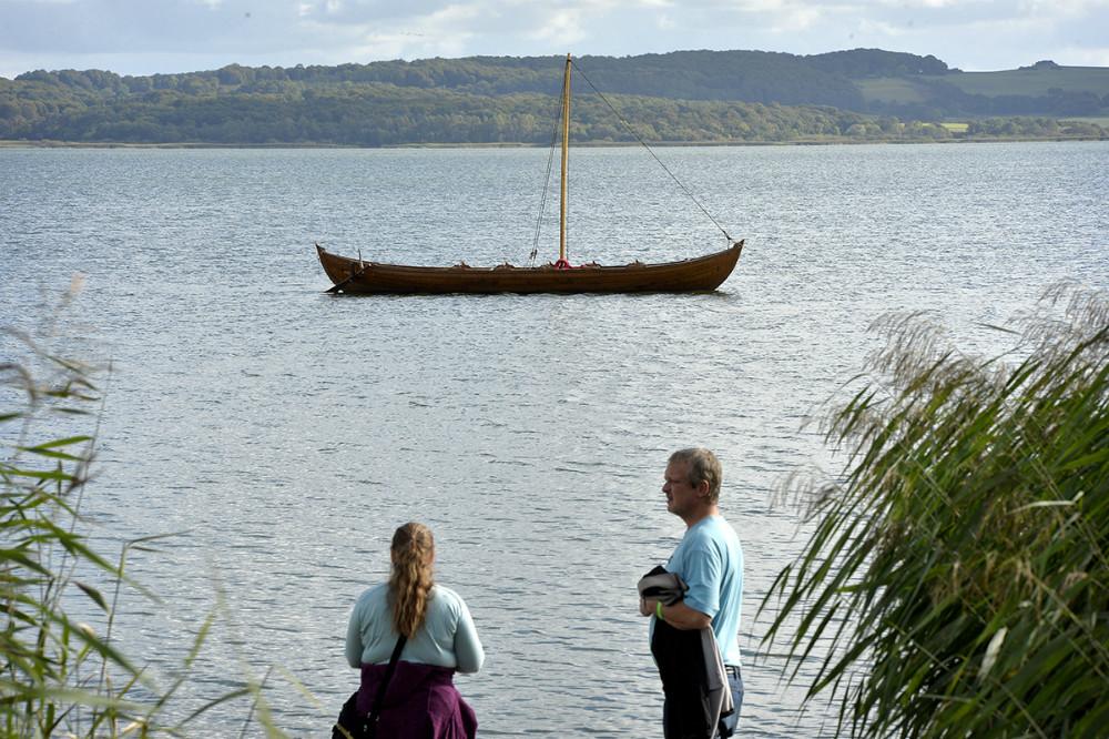 Vikingeskibet Frigg i Tissø. Foto: Jens Nielsen