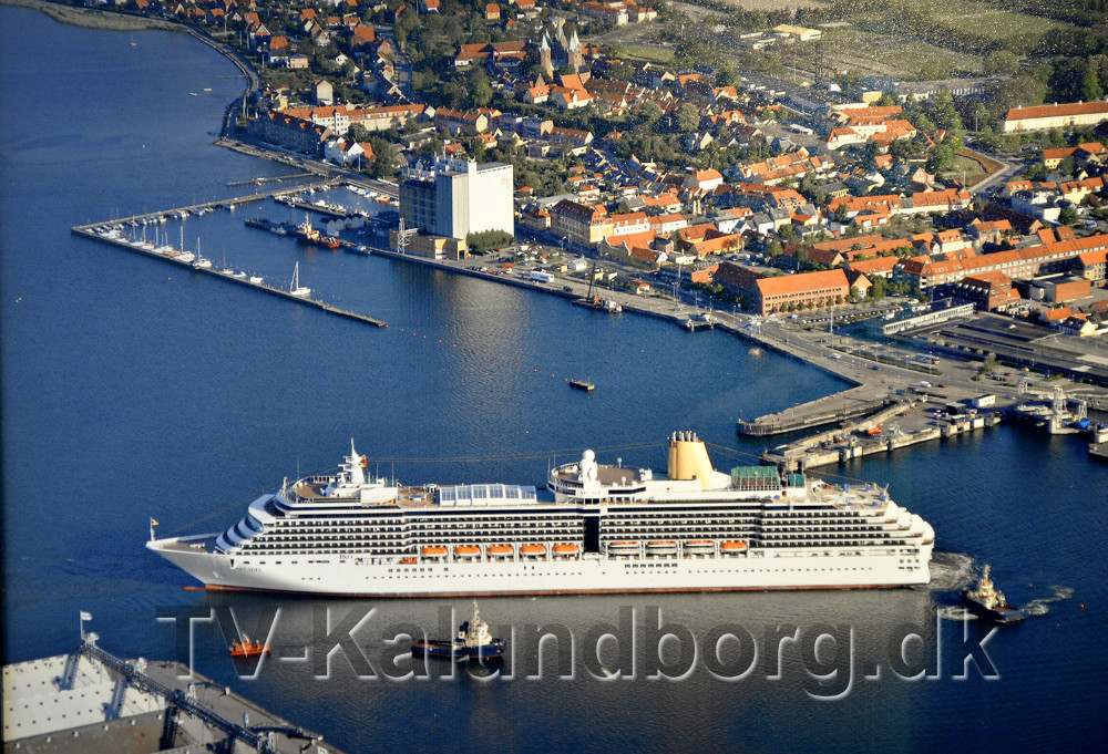 Arcadia er det største krydstogtskib som hidtil har været i Kalundborg. Foto: Jens Nielsen