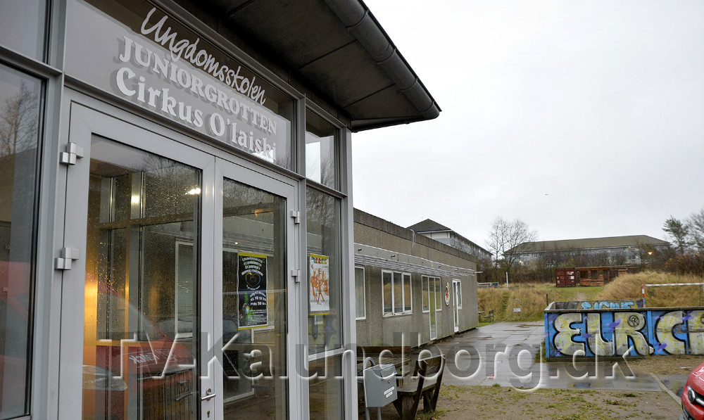 Der skal sættes ind i området omkring den gamle Ulshøjskole hvor der tit er problemer med bl.a. hashsalg. Foto: Jens Nielsen