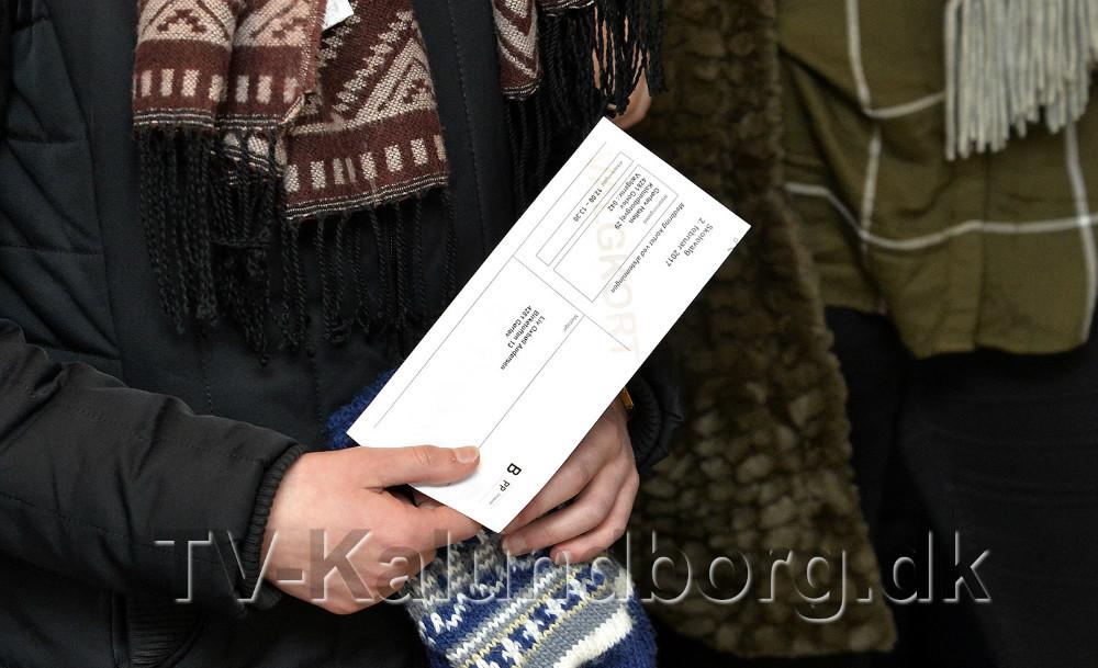 Alle elever har modtaget et stemmekort med posten. Foto: Jens Nielsen