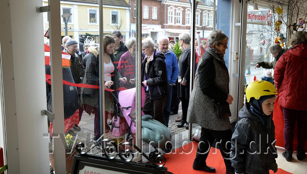Rigtigt mange var mødt frem til indvielsen. Foto: Jens Nielsen