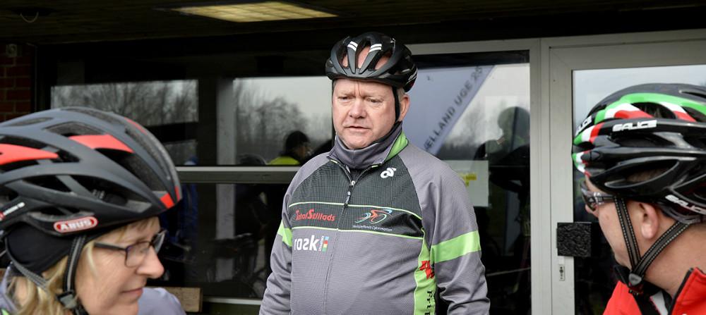 Formand Peter Henriksen bød de mange medlemmer velkommen til sæsonstart. Foto Jens Nielsen