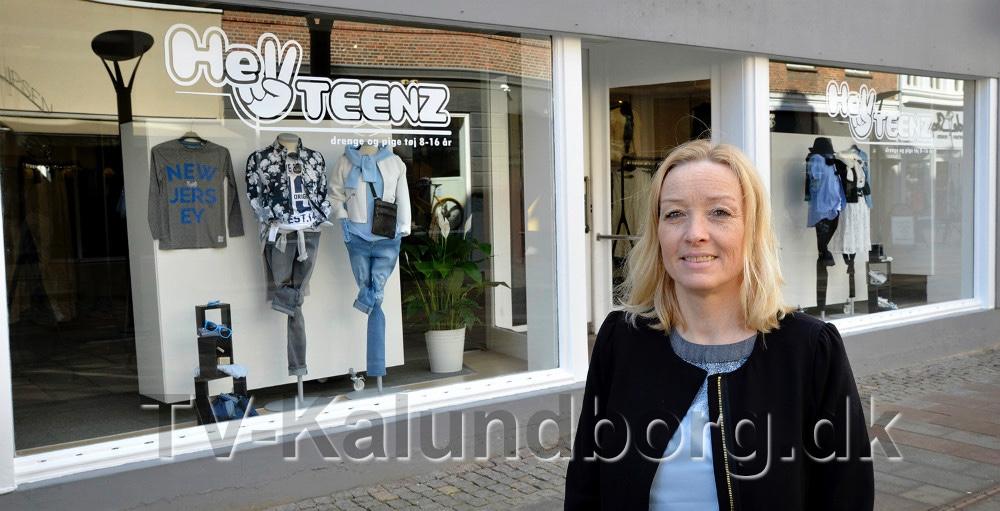Annette Nielsen foran sin forretning Hey Teenz, der lukker den 31. marts i år. Arkivfoto: Jens Nielsen.