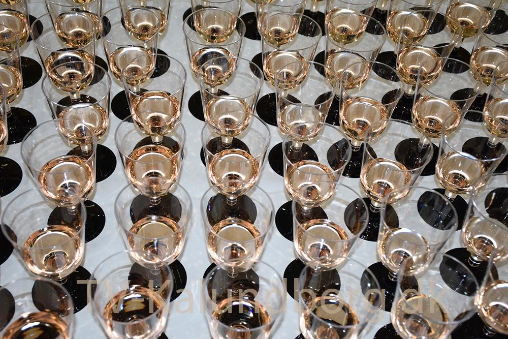 Mad og drikke, da der var indvielse af´Spiralen´ tidligere i dag. Foto: Gitte Korsgaard.