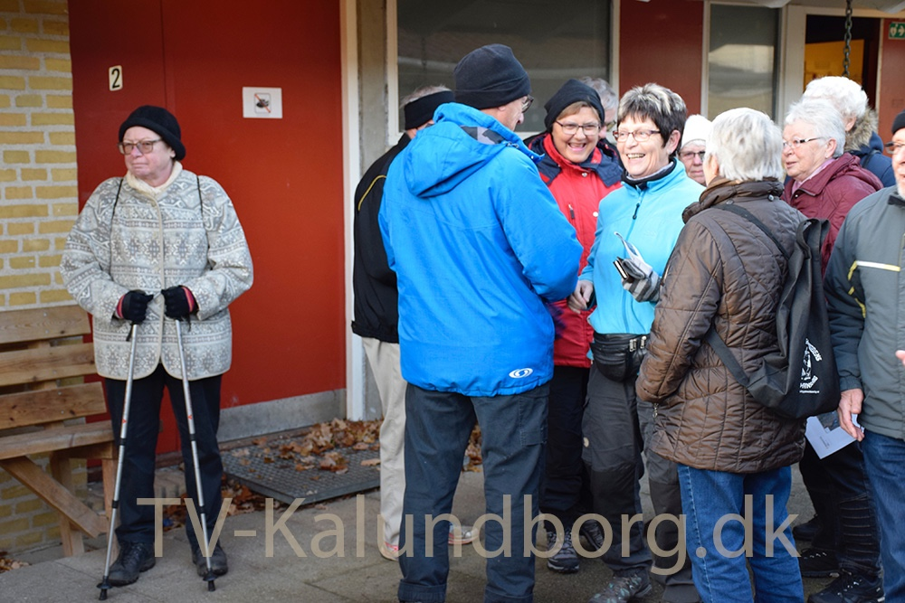 Forberedelser inden julemærkemarch. Foto: Gitte Korsgaard