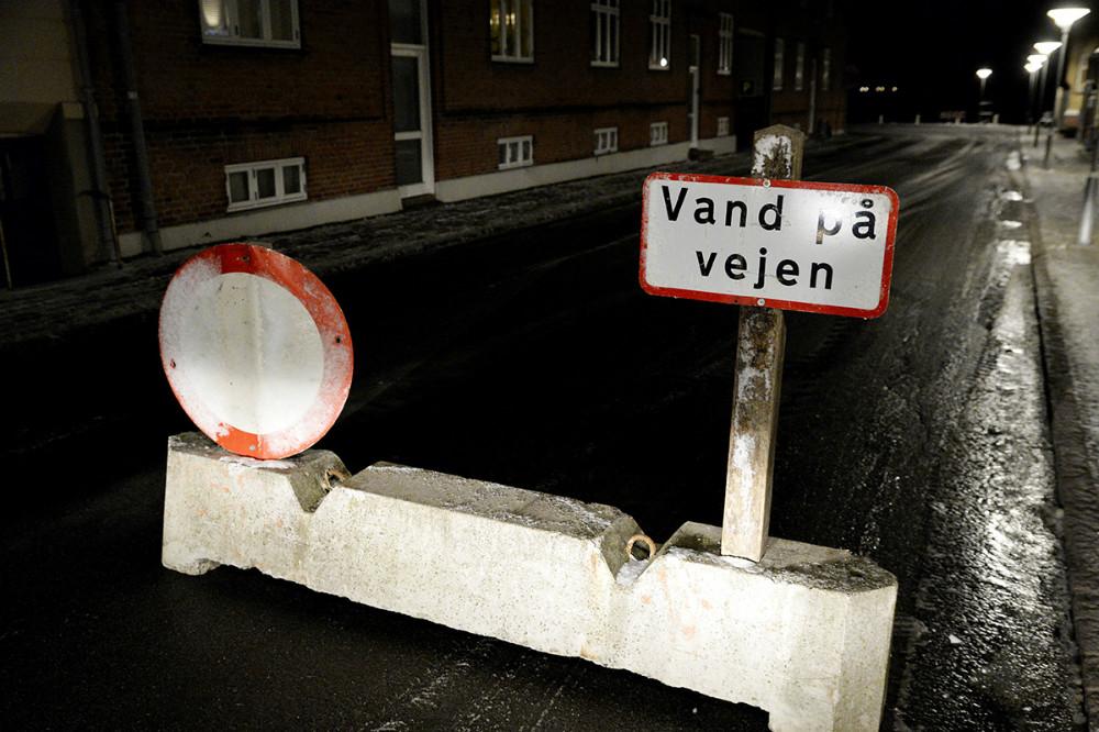 Vestre Havnevej spærret for trafik, her afspæringen i Hærvigsgade. Foto: Jens Nielsen