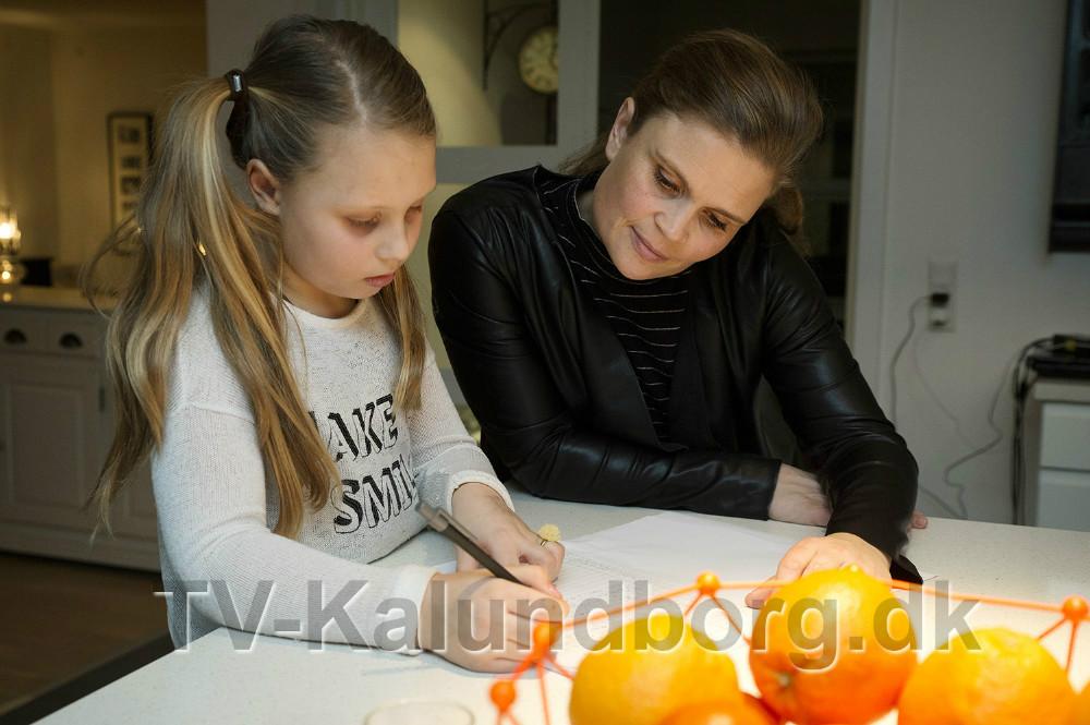 Thilde Mai sammen med sin mor Mette Thisgaard. Foto: Jens Nielsen