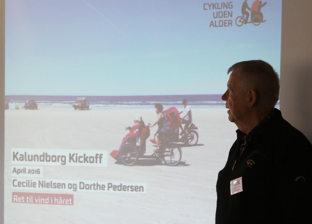 Formand for ´Cykler uden alder´, Martin Thyssen byder velkommen. Foto: Gitte Korsgaard