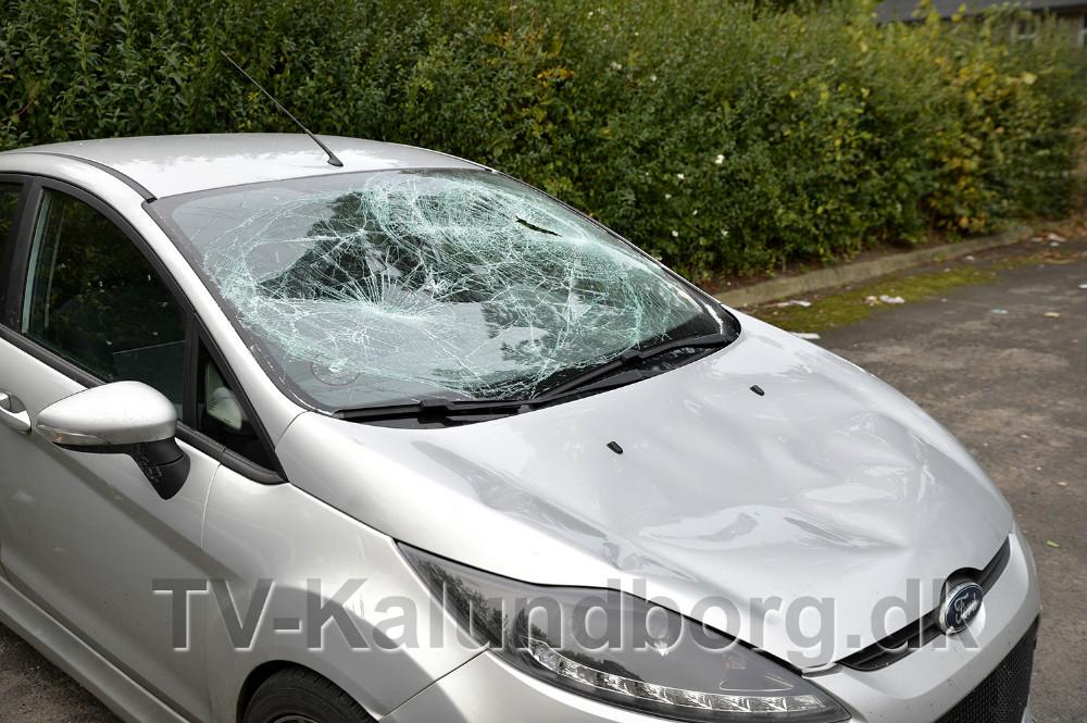 Igen har en bil været udsat for hærværk på P-pladsen ved Ulshøjskolen. Foto: Jens Nielsen