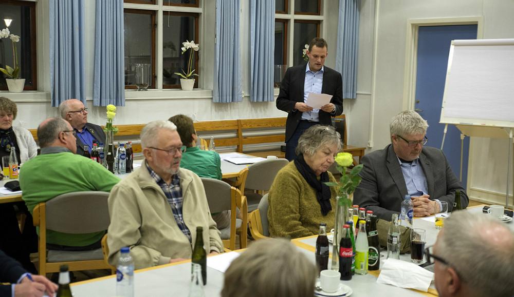 Omkring 30 medlemmer af Hvidebæk Lokalråd var mødt op til generalforsamling. Foto: Jens Nielsen
