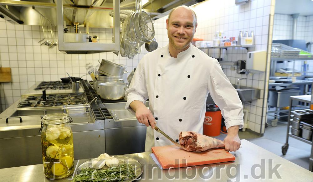 Jens Nielsen, indehaver af Reersø kro er klar til at give gæsterne en god mad oplevelse i påskedagene. Foto Jens Nielsen