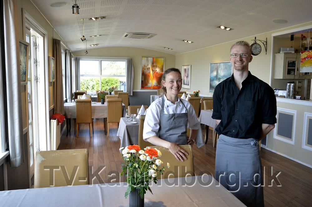 Julia Kjærulff og Simon Wittrock er klar til at tage i mod gæsterne på Restaurant Gisseløre. Foto: Jens Nielsen