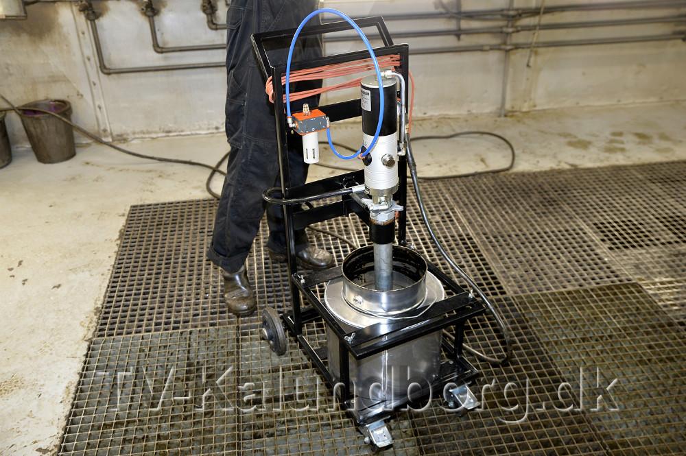 Der er indkøbt helt nyt udstyr til den nye støjdæmpende behandling. Foto: Jens Nielsen