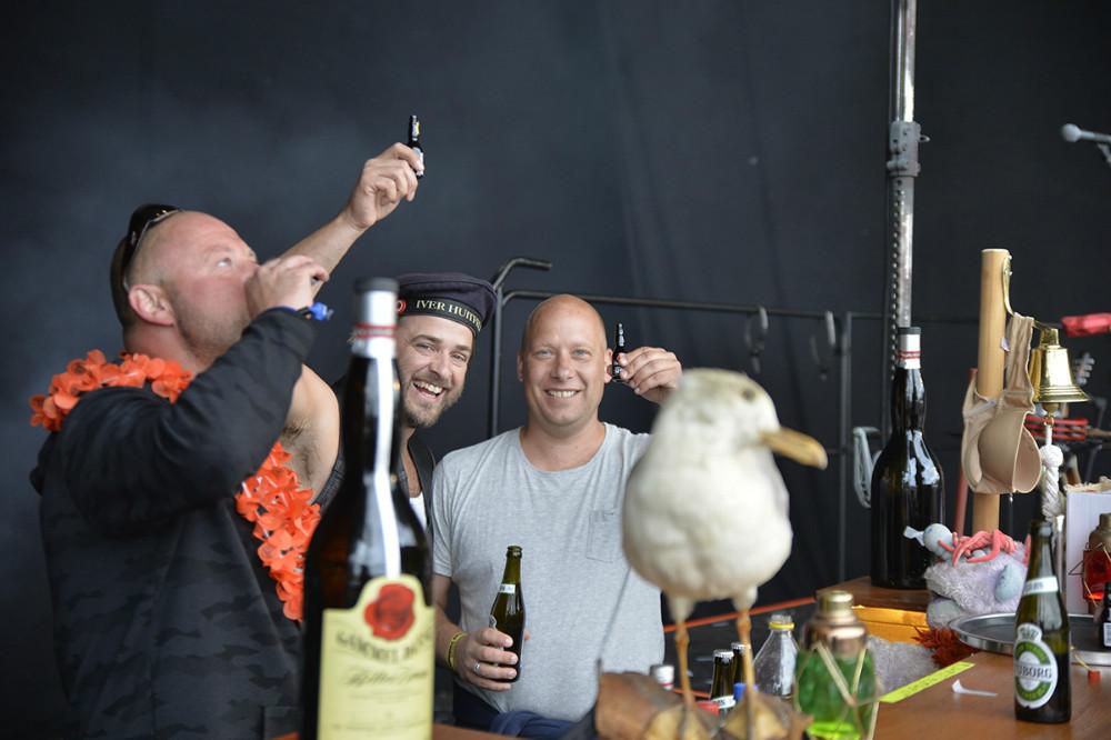Anders og Troels sammen med ankermanden Anker fra Sømændene. Foto: Jens Nielsen