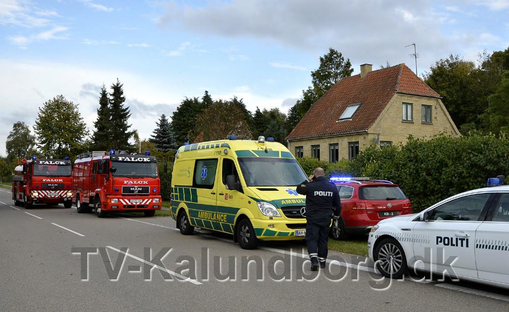 En personbil faldt ned over en mand i Viskinge. Foto: Jens Nielsen