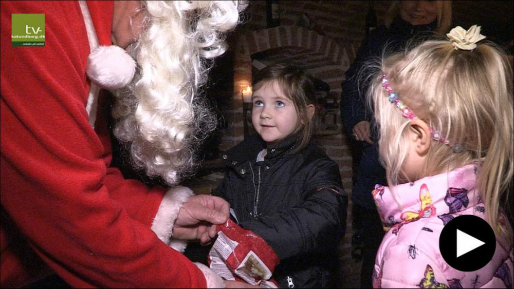 Mød julemanden i den hyggelige vinkælder. Foto: Jens Nielsen
