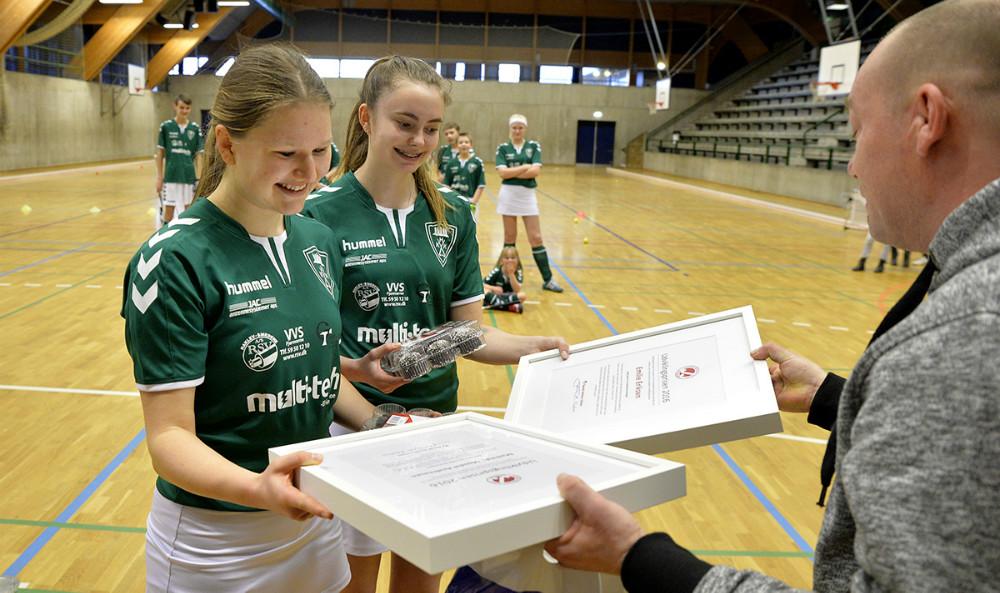 Mathilde Mosdal Andreasen ogEmilie Dahl Eriksen har modtaget Udviklingsprisen 2016. Foto: Jens Nielsen