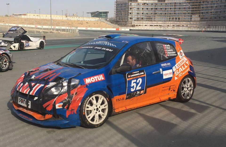 Bilen var godt brugt efter 24 timer på banen i Dubai