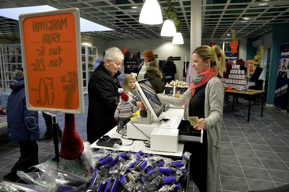 Daglig leder af fabriksudsalget i Kalundborg, Line Sørensen. Foto: Jens Nielsen