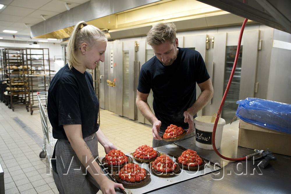 Pernille Johansen, her sammen med Meny bagermester Per Bangert. Foto: Jens Nielsen