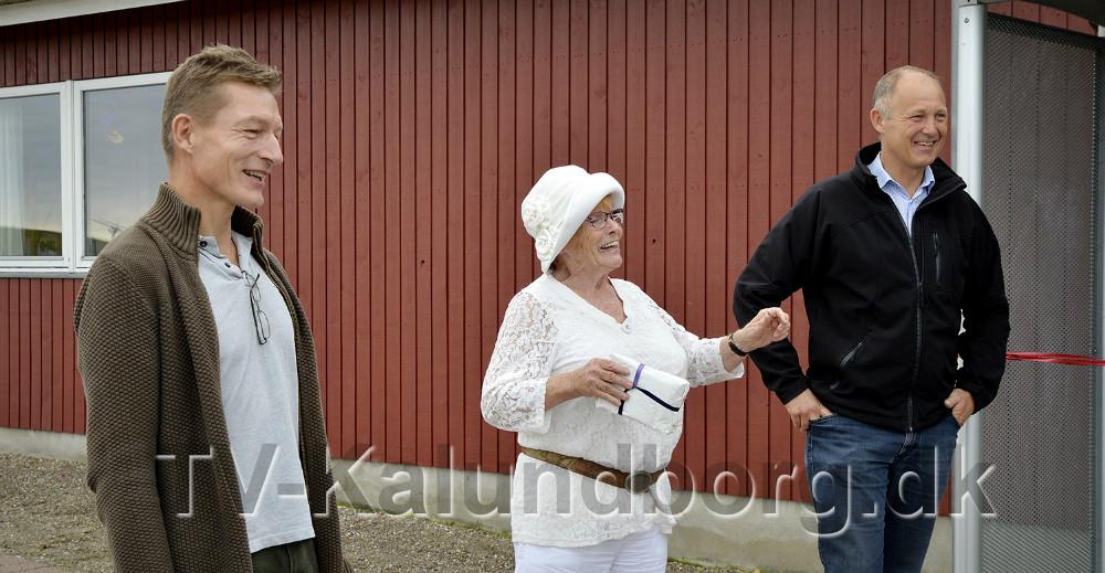 Fra venstre, Armin Vauk, viceskoleleder, Birgit Karre, Sejerø og brogmester Martin Damm. Foto: Jens Nielsen