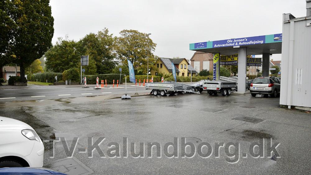 Ole Jensens Autoværksted, hvor det nye fodgængerfelt kommer til at ligge lige ud for.
