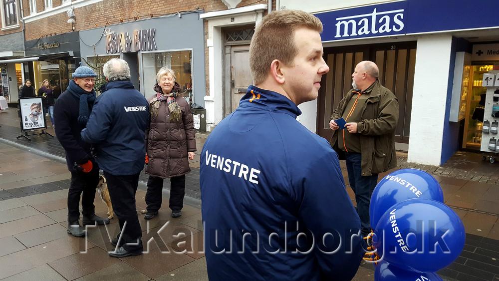 Venstre folk i Kordilgade lørdag formiddag. Foto: Jens Nielsen