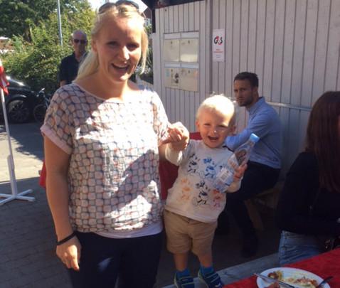Datteren, Trine Nystrup, barnebarnet Otto og sønnen Martin Niclas Sørensen. Foto: Morten Nystrup.