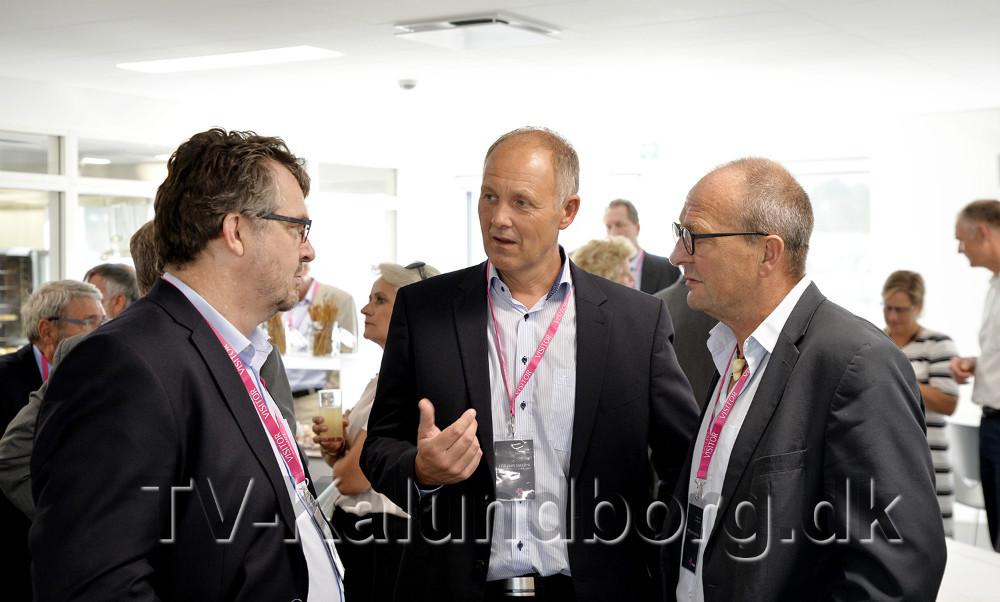 Priskomiteen, fra venstre, redaktør på Nordvestnyt Jakob Erhardt Pedersen, borgmester Martin Damm og rektor Peter Abildgaard Andersen. Foto: Jens Nielsen