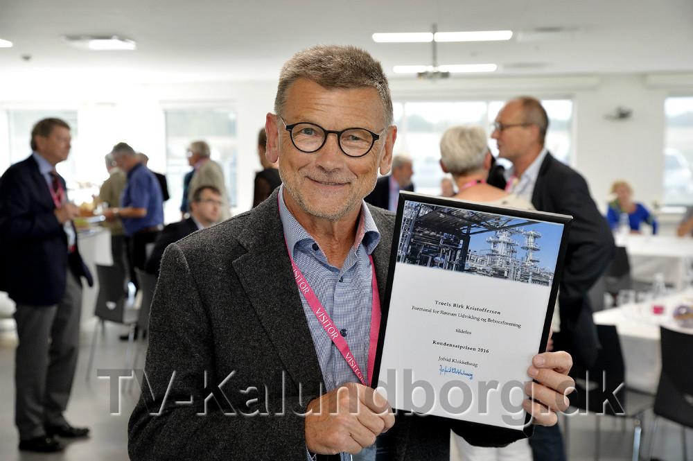 En glad og stolt Troels Birk Kristoffersen med bevise for Kondensatprisen 2016. Foto: Jens Nielsen
