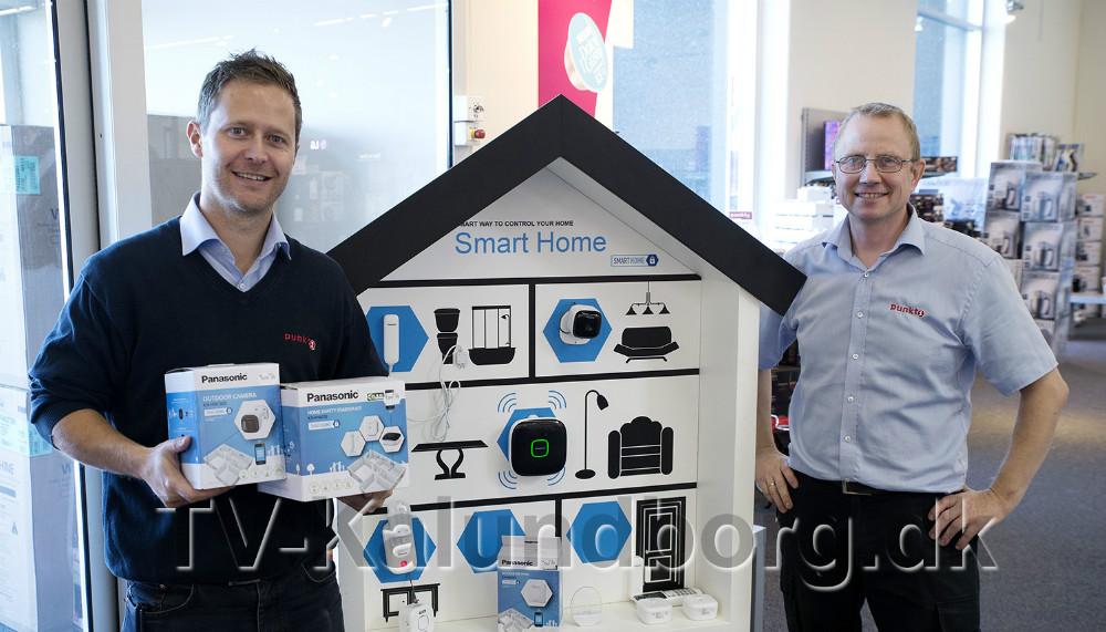 Jesper Abkjær Petersen og Poul Erik Nielsson klar til at præsentere Smart Home på Kalundborgmessen. Foto: Jens Nielsen