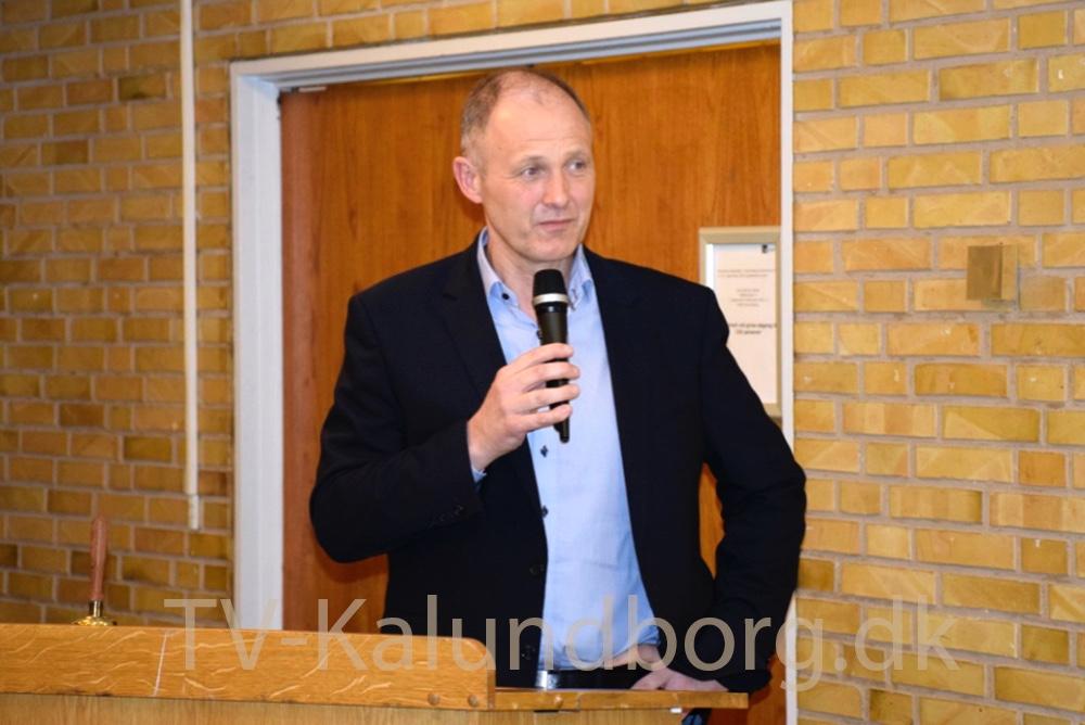 Borgmester Martin Damm (V) holder en kort tale for Ole Lauritzen. Foto: Gitte Korsgaard
