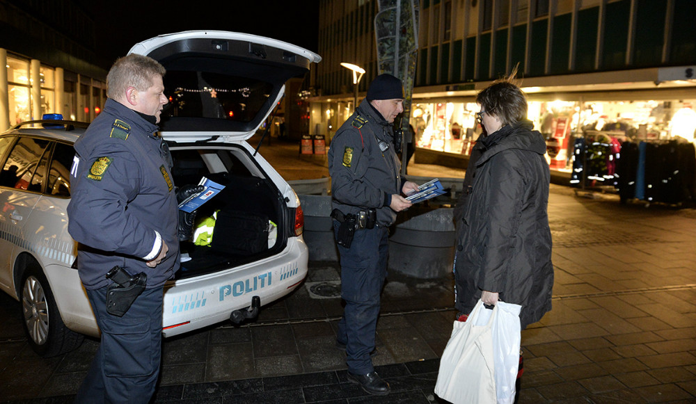Mange fik en julehilsen i Kordilgade. Foto: Jens Nielsen