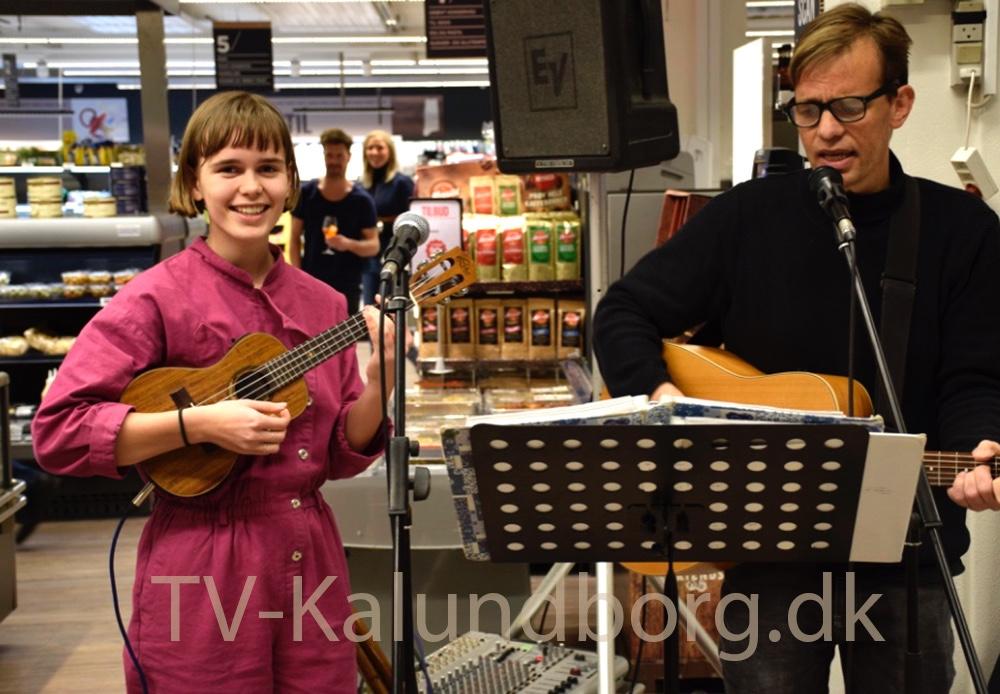 Der var også musisk underholdning til gourmetaftenen. Foto: Gitte Korsgaard