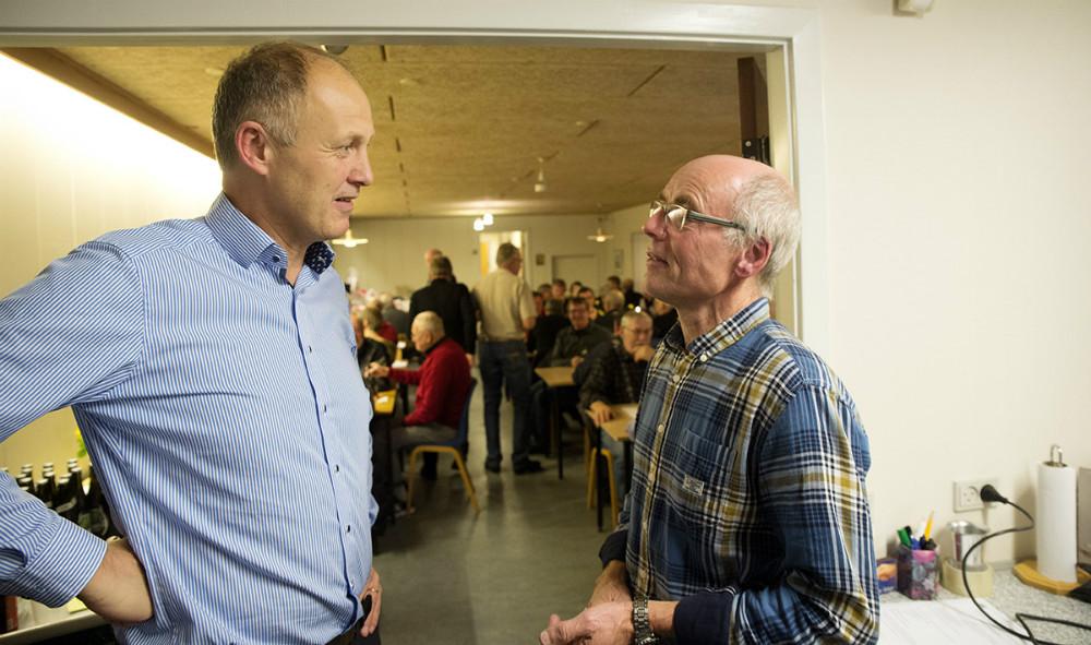 Borgmester Martin Damm i snak med formand Poul Keinicke. Foto: Jens Nielsen