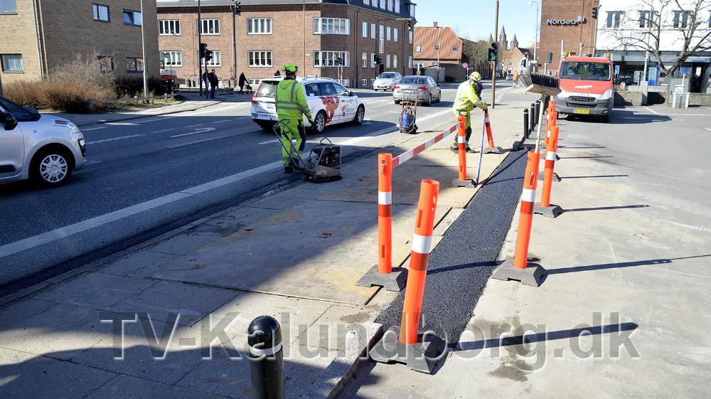 I forbindelse med at krydset spærres bliver indkørslen til Vængets P-plads flyttet. Foto: Jens Nielsen