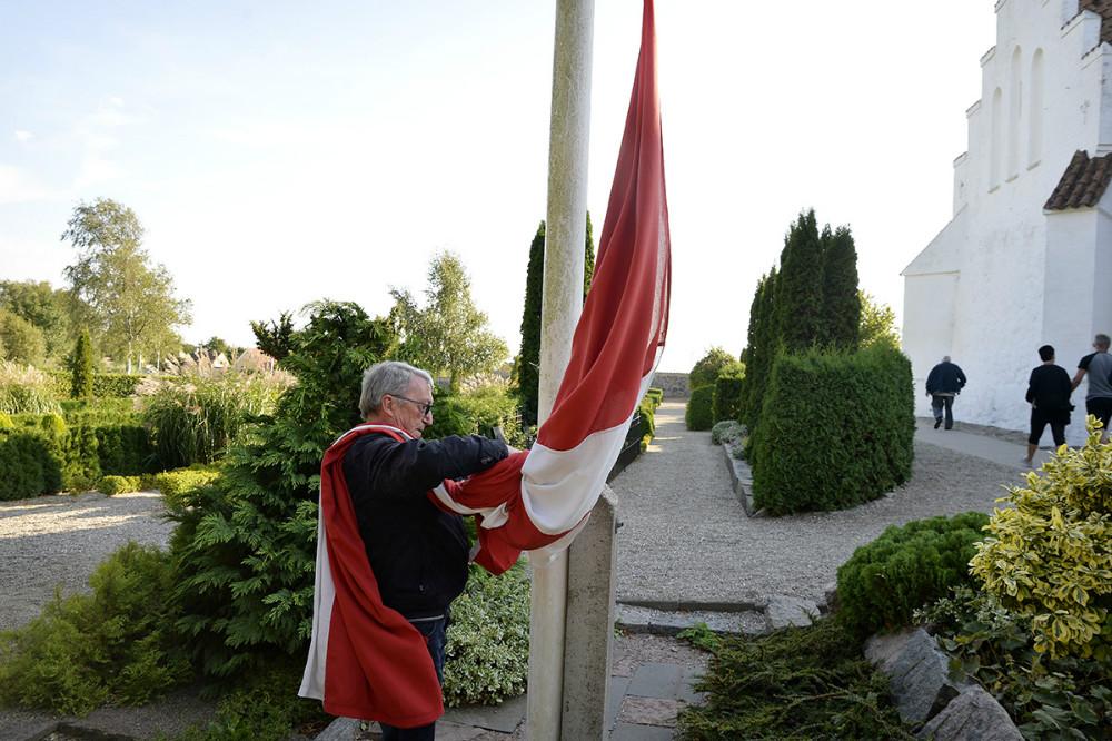 Flaget blev hejst ved Tømmerup Kirke. Foto: Jens Nielsen