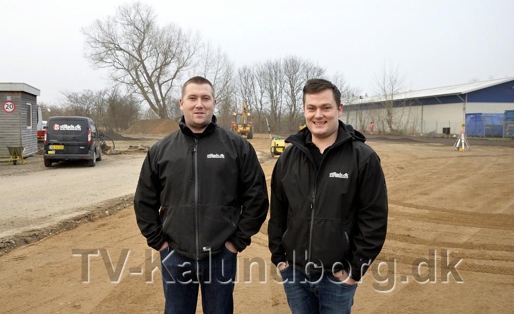 Fra venstre, Jimmi Busk, daglig leder på den nye plads på Flakagervej sammen med sin bror Dennis Busk som er medejer af Jerslev Stilladsfirma. Foto: Jens Nielsen