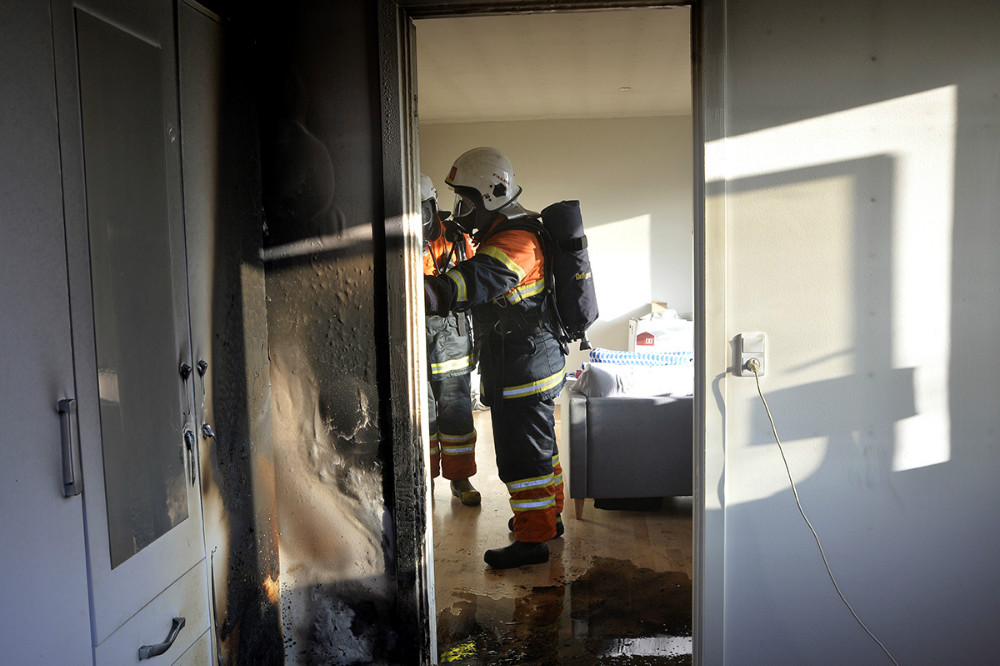 Brand i rækkehus på Navrvej i Svebølle, søndag eftermiddag. Foto: Jens Nielsen