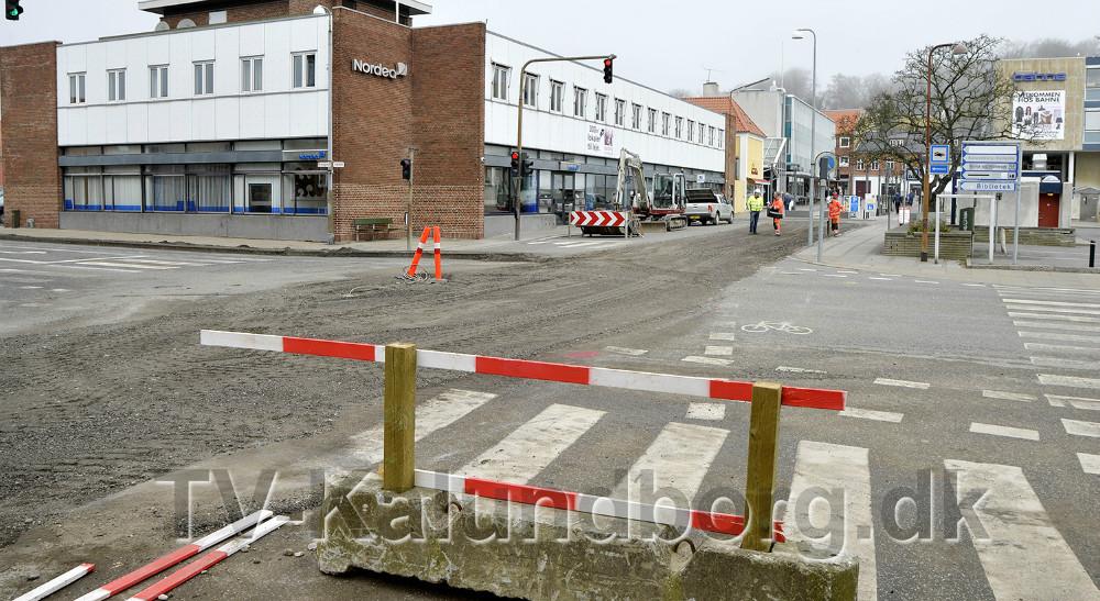 Krydset i Vænget/Bredgade er helt spærret frem til d. 10. april. Foto: Jens Nielsen