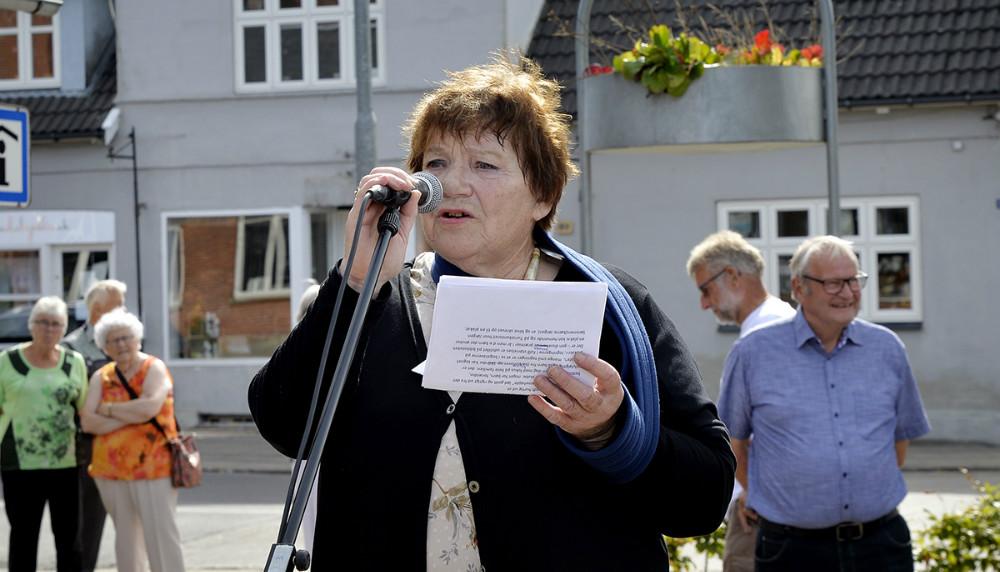 Karen Jensen, formand for Kulturgruppen på talerstolen. Foto: Jens Nielsen