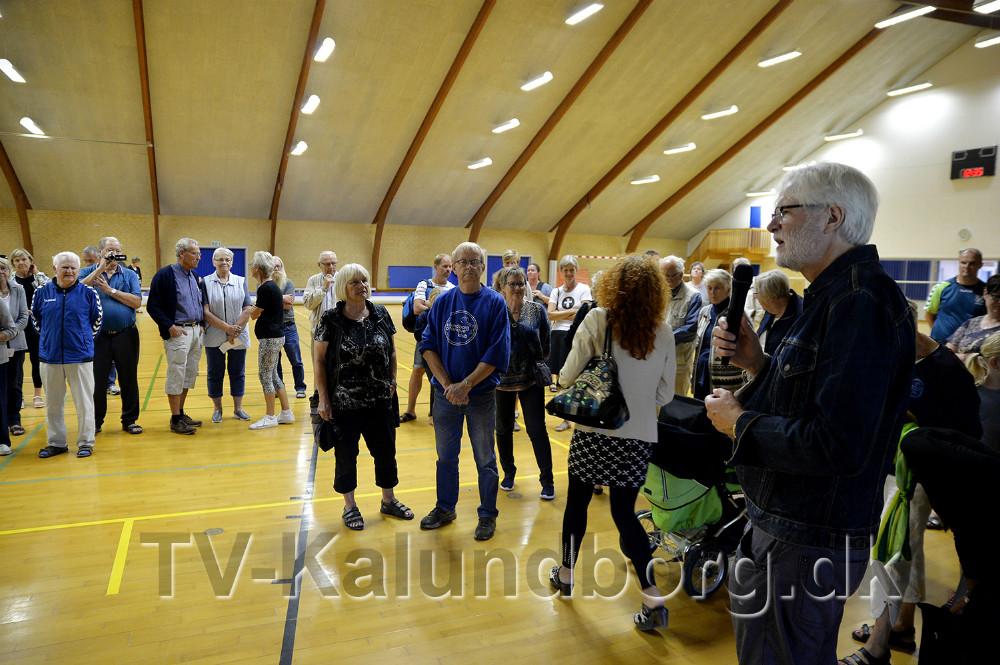 Søren Sievers holdt åbningstalen i Røsnæshallen. Foto: Jens Nielsen