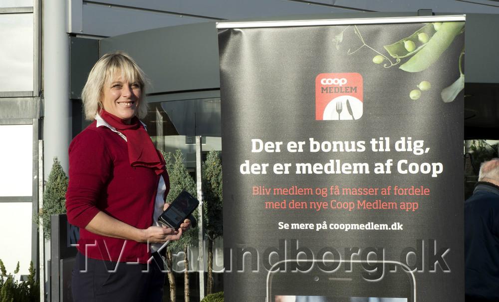 Varehuschef Kirsti Thygesen er klar til at fortælle kunderne om den nye app. Foto: Jens Nielsen