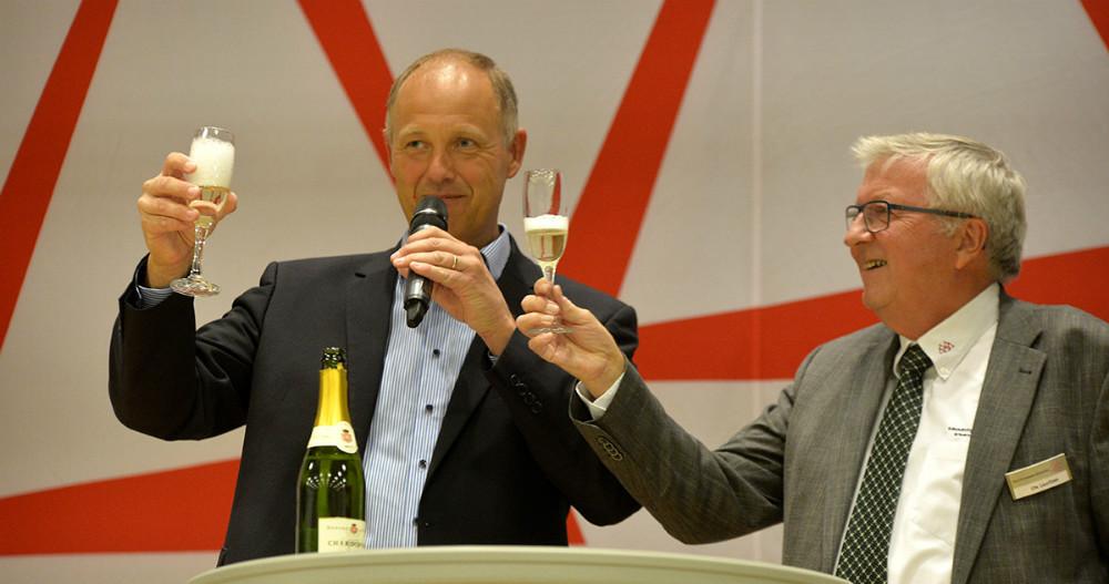 Martin Damm og Ole Lauritzen skålede på en god messe. Foto: Jens Nielsen