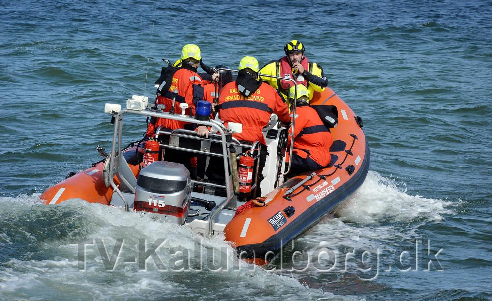 Det Maritime Sikkerhedspoliti blev sejlet ud til skibet. Foto: Jens Nielsen