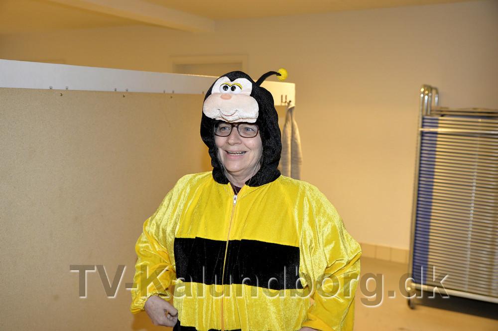 Lene Jeppesen blev klædt ud som en bi. Foto: Jens Nielsen