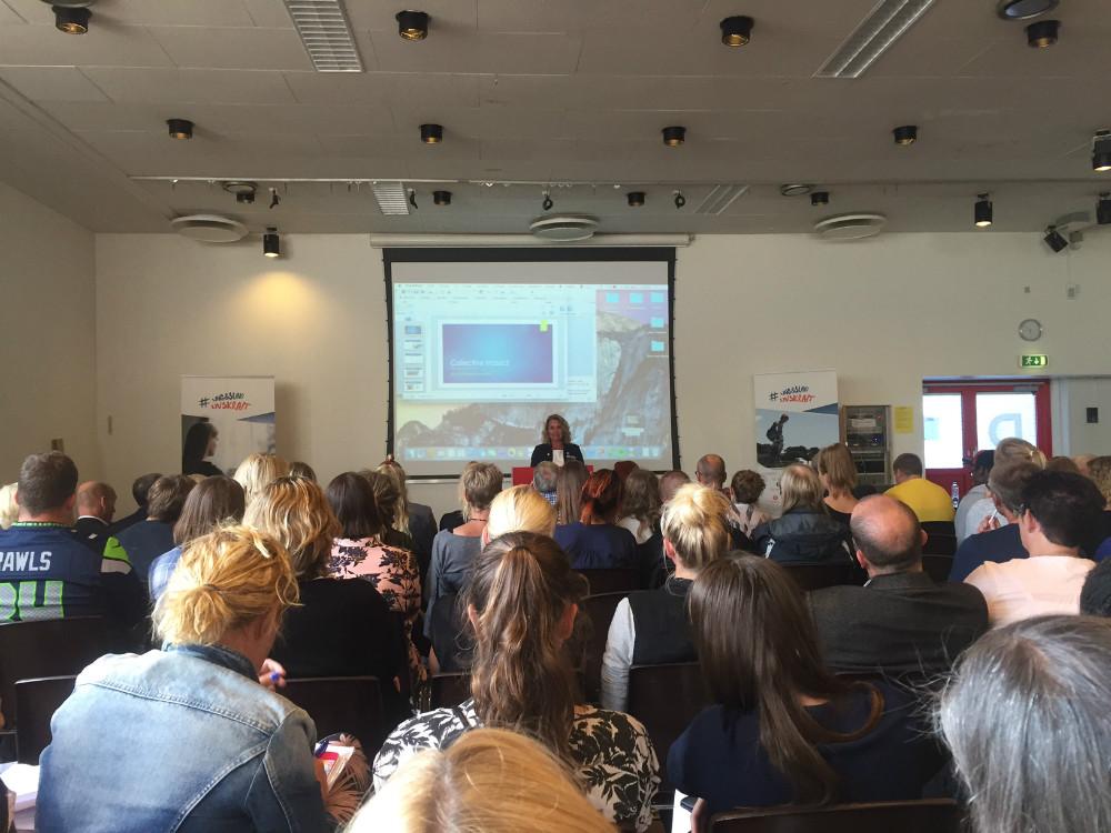 Projektleder Christina Pawsø fortæller. Foto: Gitte Korsgaard.