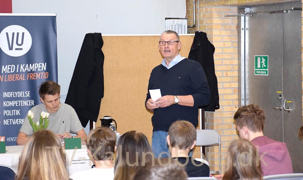 Svend Erik Autzen (V) var ordstyrer ved paneldebatten på Gørlev Skole.
