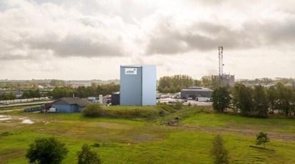 En anden mulighed er en blå farve, der ligner omkringliggende bygninger.